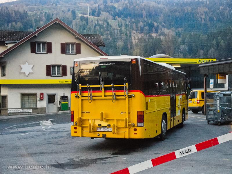 Busz kerékpárszállító támokkal Tiefencastelben fotó