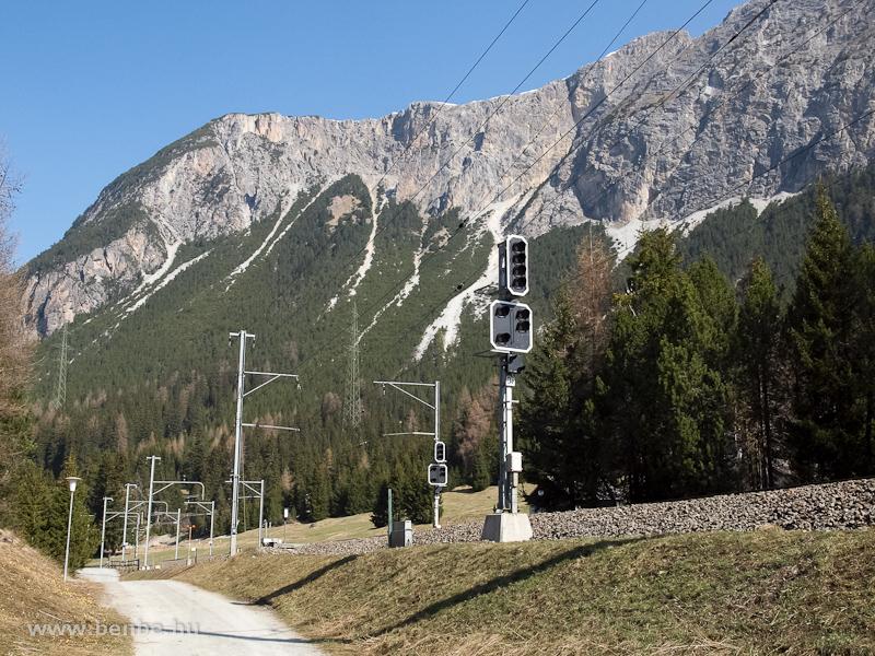 Preda állomás kijárati jelzői Bergün felé fotó