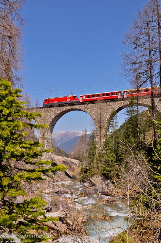 A Ge 4/4 III  644 az Albula-II viadukton fotó
