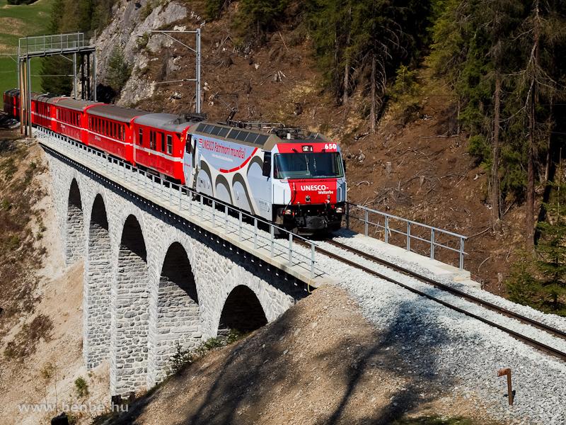 A Ge 4/4 III  650  UNESCO-Welterbe  a Clix-viadukton fotó
