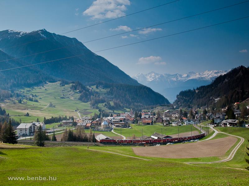 A Ge 4/4 III  644 egy Chur - St. Moritz RegioExpresszel Bergün/Bravuogn és Preda között fotó
