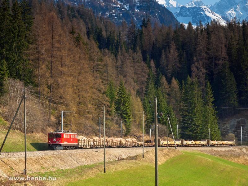 A Ge 6/6 II  702 tehervonatával Bergün/Bravuogn és Preda között fotó