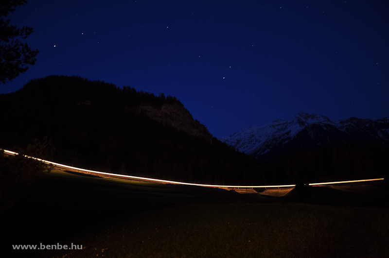 RegioExpress a sötétben Bergünnél fotó