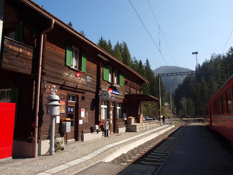 Ingavonat Davos Wiesen állomáson fotó