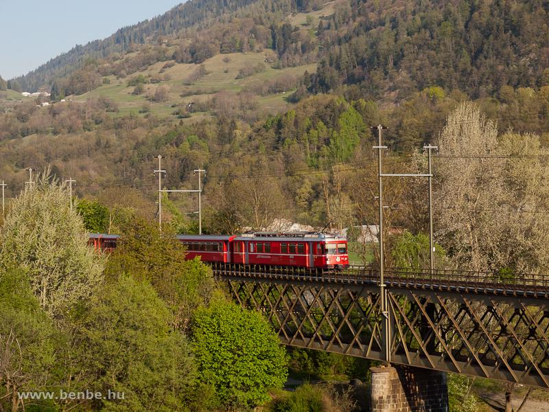 A Be 4/4 514 Reichenau-Taminsnál fotó