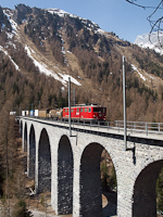 Az RhB Ge 6/6 II  706 az Albula-III viadukton
