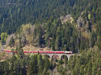 The Ge 4/4<sup>III</sup> 641 on the Schmittentobel-Viadukt between Alvaneu and Filisur