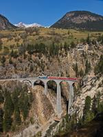 The Ge 4/4<sup>III</sup> 647 on the Landwasser-Viadukt between Alvaneu and Filisur