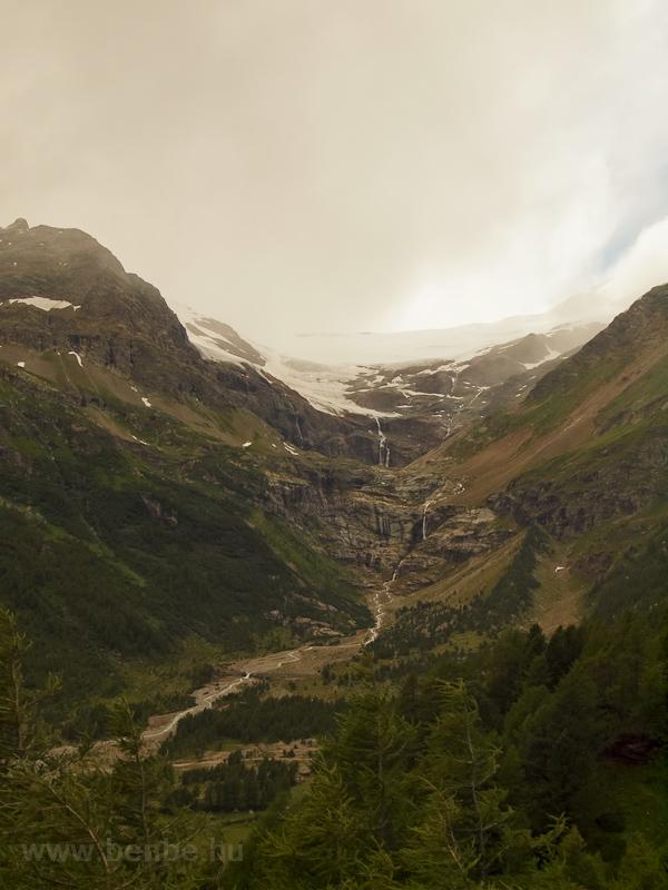 A Palü-gleccser nyáron fotó