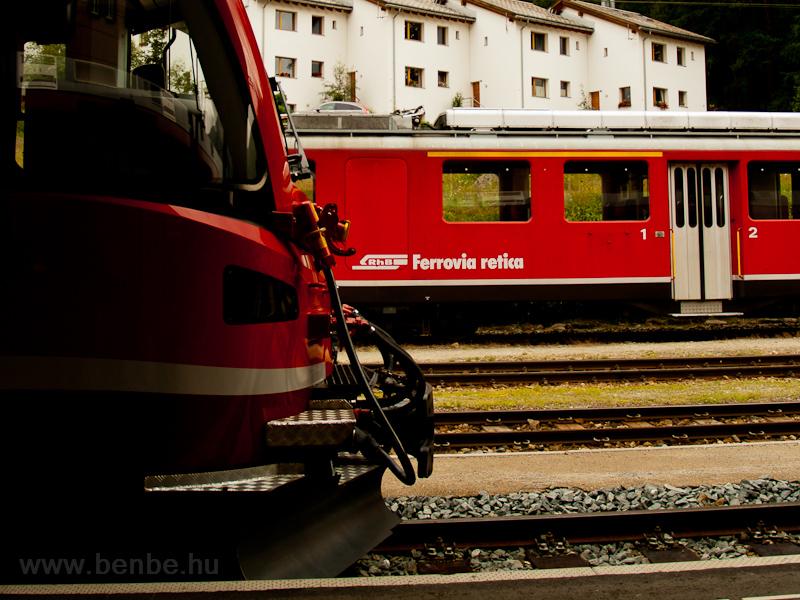 Előttem az utódom: Allegra és belszolgálativá visszaminősítésre váró ABe 4/4 II -es Pontresinában fotó