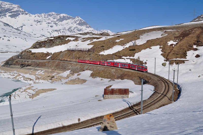 The RhB ABe 8/12 3507 seen between Bernina Lagalb and Ospizio Bernina photo
