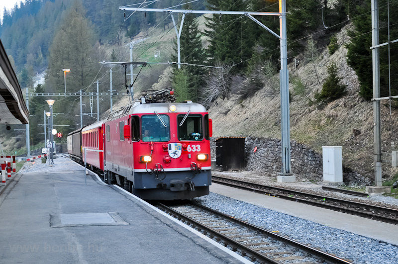 The Ge 4/4 II  633 is seen hauling the usual early morning GmP at Bergün/Bravuogn station photo