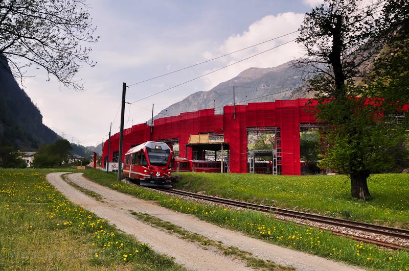 Egy RhB Allegra a körviaduktnál Brusio és Campascio között fotó