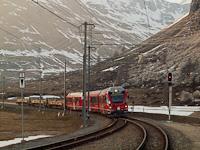 Egy RhB Allegra Bernina Lagalb állomáson