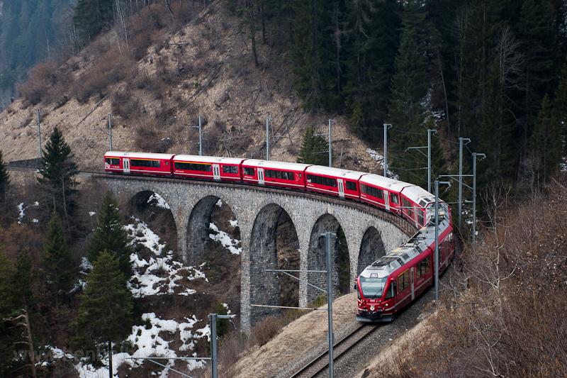 A Rhätische Bahn (RhB) ABe  fotó
