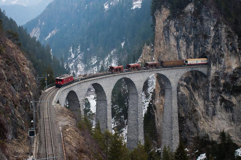 A Rhätische Bahn svájci kis fotó