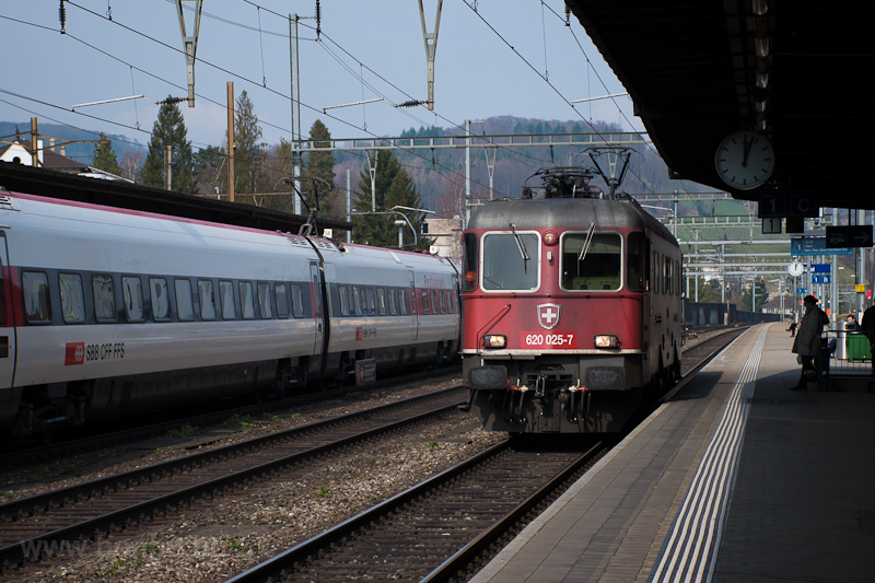 The SBB 620 025-7 (Re 6/6 0 photo