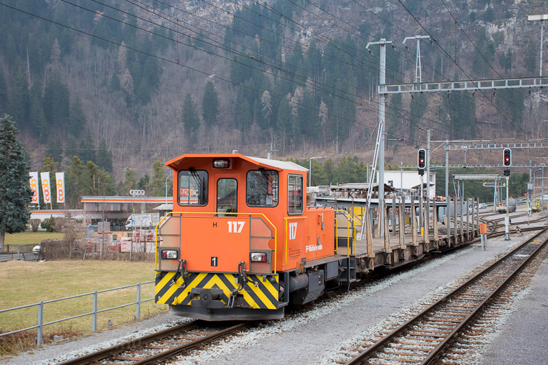 A Rhätische Bahn Tm 2/2 117 fotó