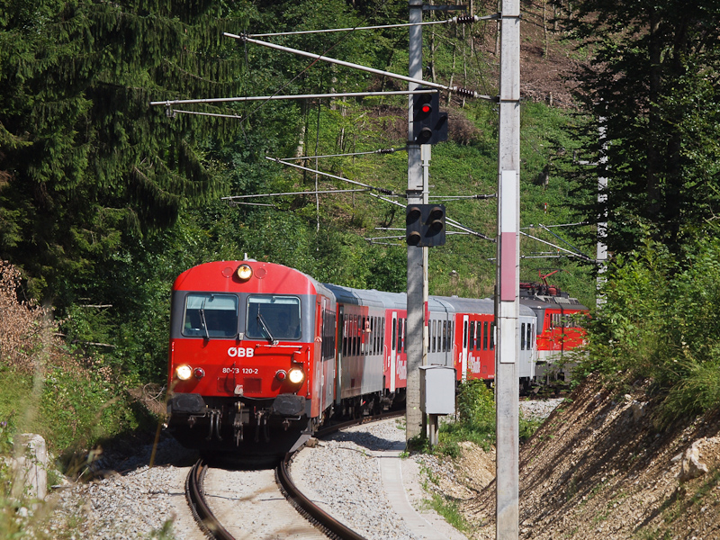 The ÖBB 80-73 120-2 seen be photo