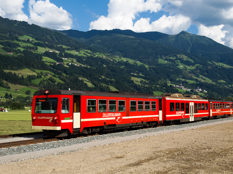 The Zillertalbahn VT 5 seen photo