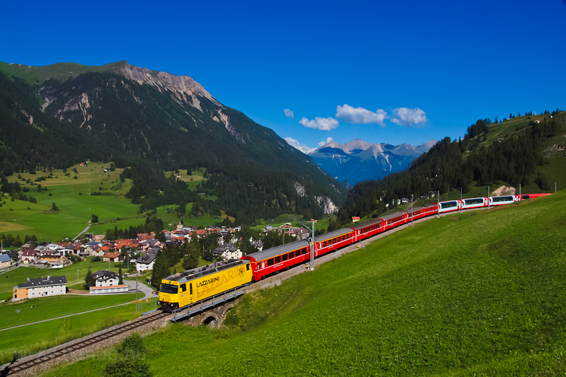 The Rhätische Bahn (RhB) Ge 4/4 III  644  Lazzarini  seen between Preda and Bergün photo
