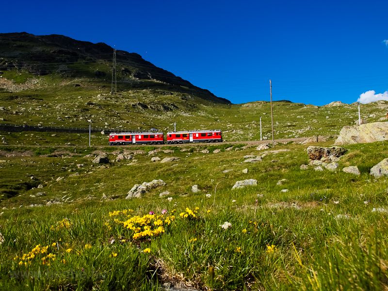 A Rhätische Bahn ABe 4/4 III  53+54 Bernina Lagalb és Ospizio Bernina között fotó