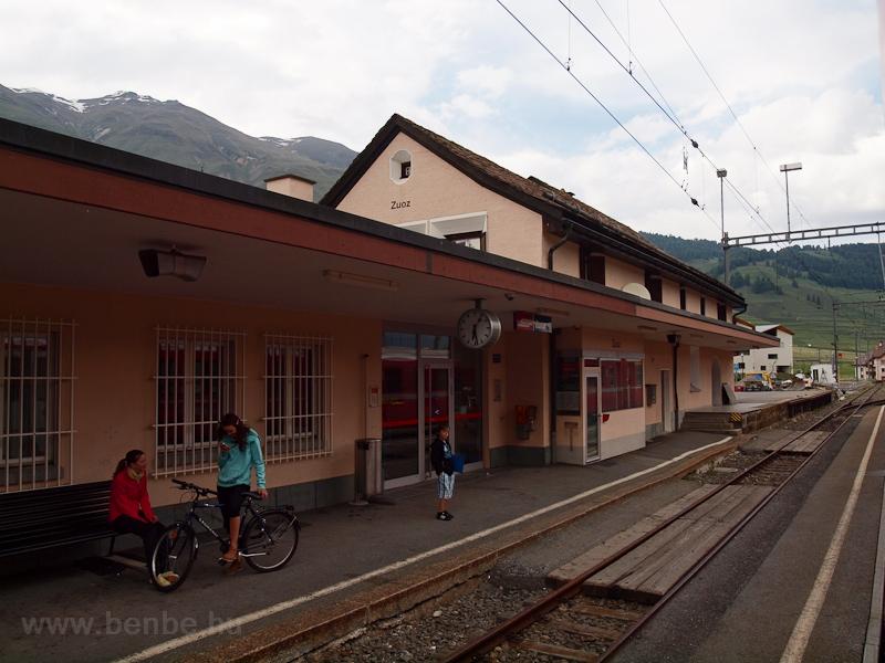 Zuoz állomás fotó