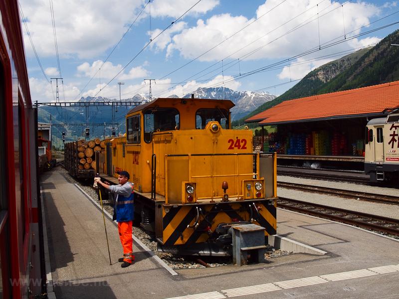 A Rhätische Bahn (RhB) Gmf 4/4 242 Pontresina/Puntraschigna állomáson fotó