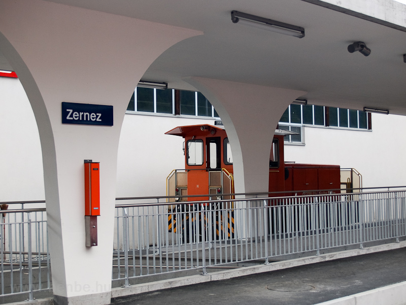 Zernez station photo