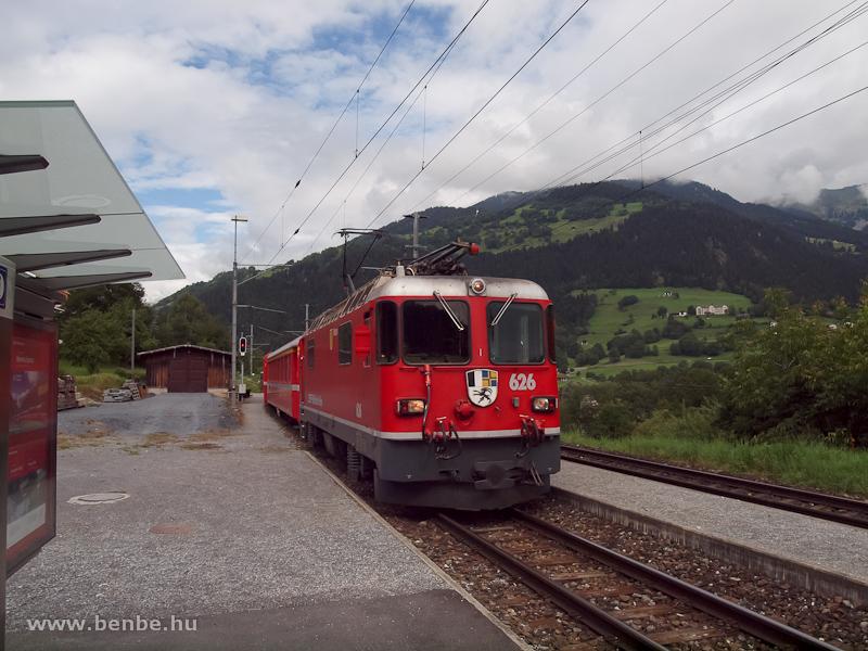 Az RhB Ge 4/4 II  626-os egy Disentis/Mustér - Scuol-Tarasp REX-szel Castrisch állomáson fotó