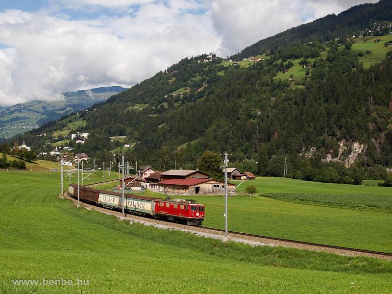 Az RhB Ge 4/4 I  605  Silvretta  Ilanz és Castrisch között egy Valserzuggal fotó