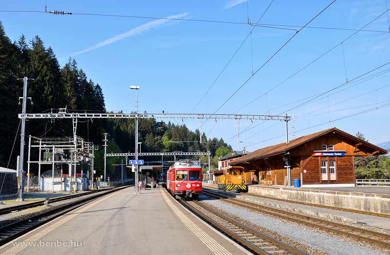 A Be 4/4 514 és Tm 2/2 119 Reichenau-Taminsban fotó