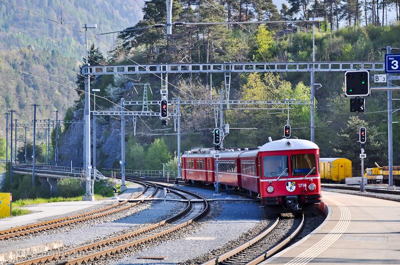 A Be 4/4 514 motorvonat 1714-es vezérlőkocsija Reichenau-Taminsban fotó