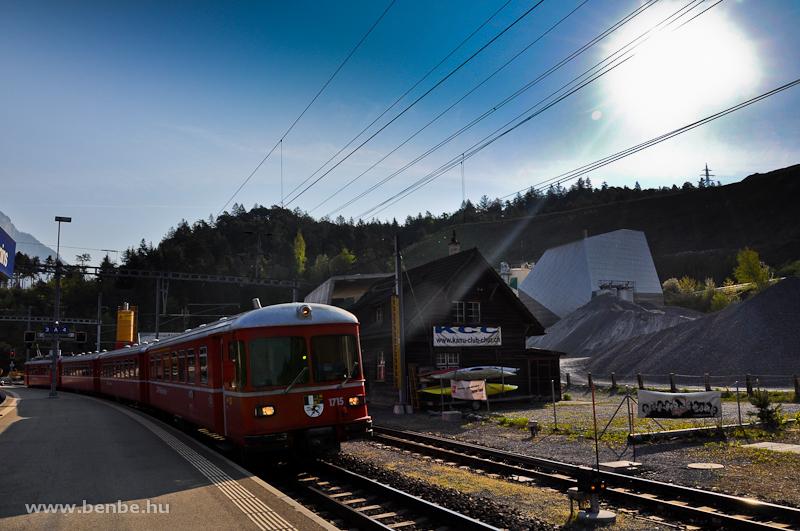A Be 4/4 515 motorvonat 1715-�s vez�rlőkocsija Reichenau-Taminsban fot�