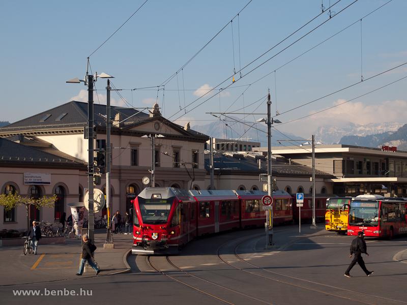 Az ABe 8/12 3504  Dario Cologna  Arosába indul Chur Stadt állomáson fotó