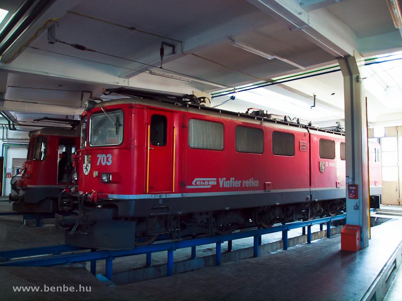 Az RhB Ge 6/6 II  703  St. Moritz  Landquart fűtőházában fotó