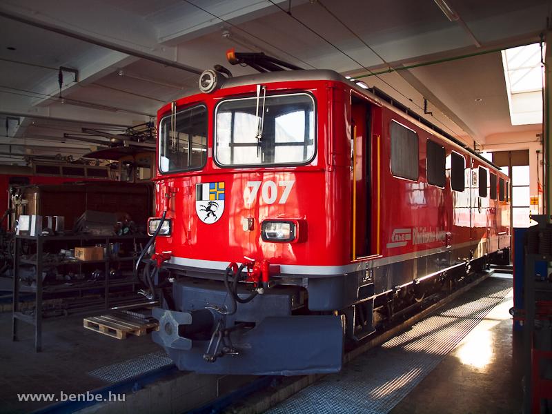 A frissen felújított Ge 6/6 II  707 Landquartban fotó