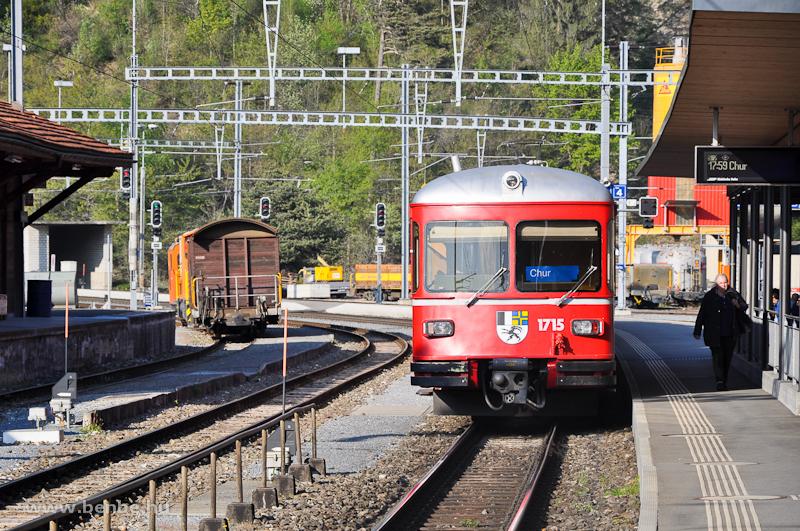Az RhB Be 4/4 515 motorvonat 1715 pályaszámú vezérlőkocsija Reichenau-Tamins állomáson fotó