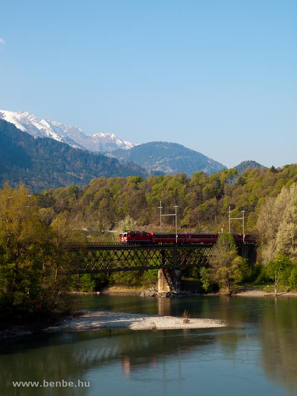 RhB Ge 4/4 II  a Reichenau-Tamins melletti Hátsó-Rajna hídon fotó