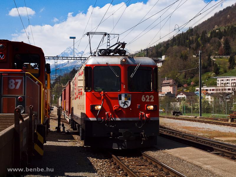 A Ge 4/4 II  622  Hakone Tozan Railway  egy tehervonattal Ilanzban fotó