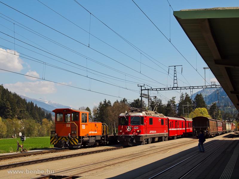 A Tm 2/2 115 és a Ge 4/4 II  628 Ilanzban fotó