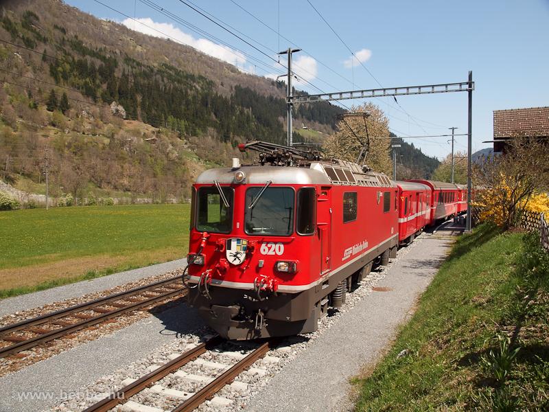 A Ge 4/4 II  620 Tavanasa-Breil/Brigels állomáson fotó