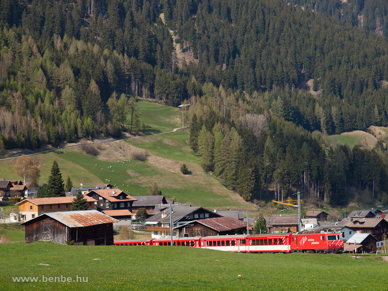 Az MGB HGe 4/4 II  103  Chur  Disentis/Mustér és Acla di Fontauna között fotó
