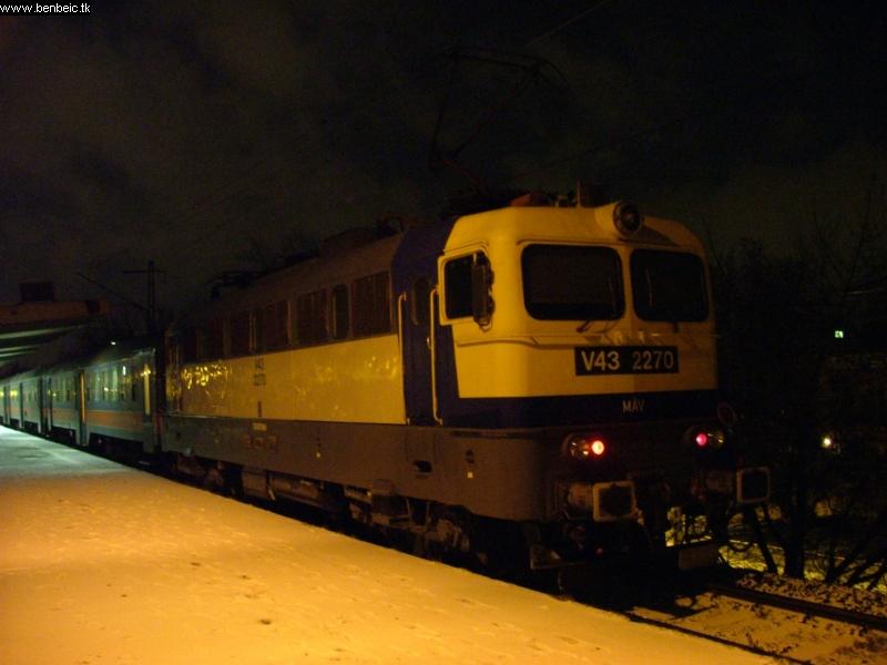 V43 2270 Zuglóban fotó