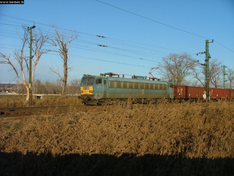 V63 032 Nagytétény-Diósd bejáratánál fotó