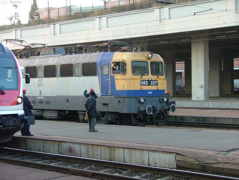 Nyugati pályaudvar, V43 2377 fotó