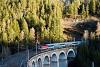 Az ÖBB 1144 023 Breitenstein és Wolfsbergkogel között a Kalte Rinne viadukton az Emona EuroCity vonattal