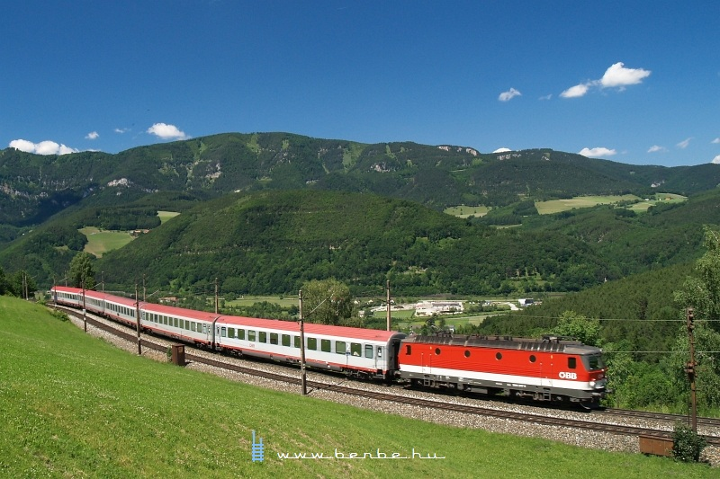 The 1044 204-4 between Küb and Eichberg photo