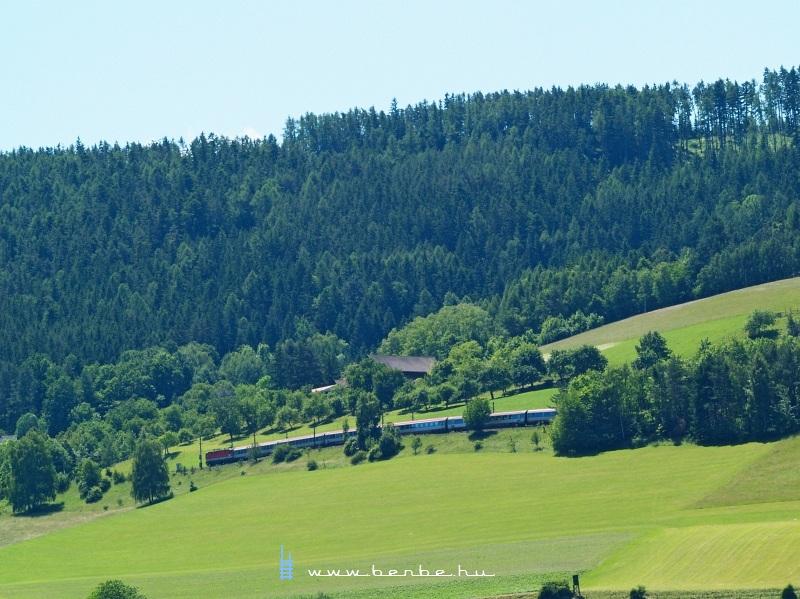 1044 021 Payerbach-Reichenau és Küb között fotó