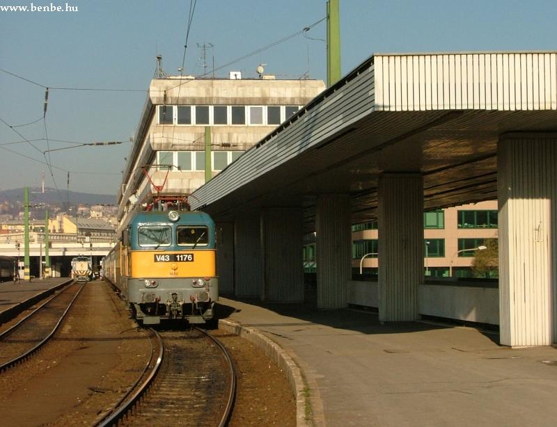 V43 1176 Budapest Déli pályaudvaron fotó